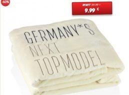 Dealclub: GNTM-Kuscheldecke für 9,90 Euro plus Versand