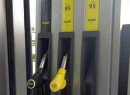 Test: Aldi-Tankstelle punktet mit Bestpreis und schneller Abwicklung